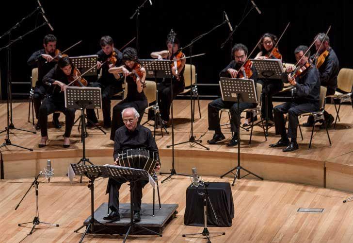 Homenaje a Astor Piazzolla en el CCK. Néstor Marconi y la Camerata Argentina.