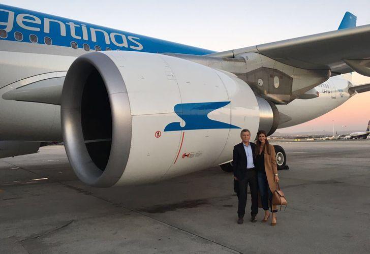 Mulas en el avion con Macri