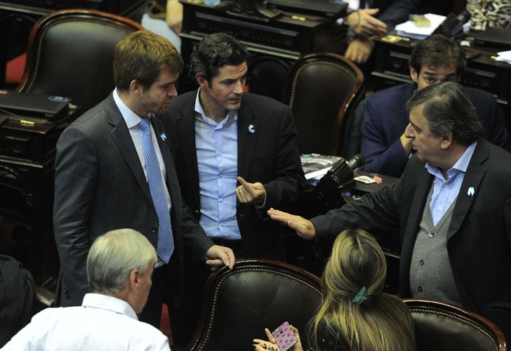 Diputados oficialistas expresaron su repudio contra el legislador del Frente Renovador.