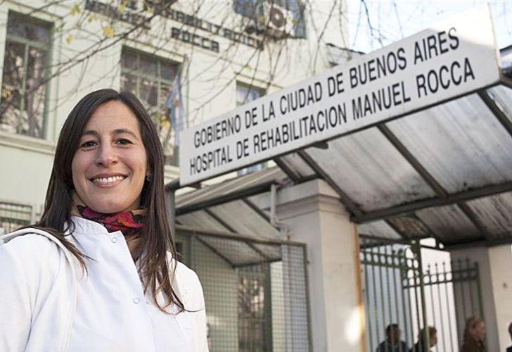 Ciudad. Hizo su residencia en el Hospital Rocca, donde luego fue nombrada jefa de residentes. Por su trabajo recibió en 2011 el primer premio del Programa Valores de la Ciudad.
