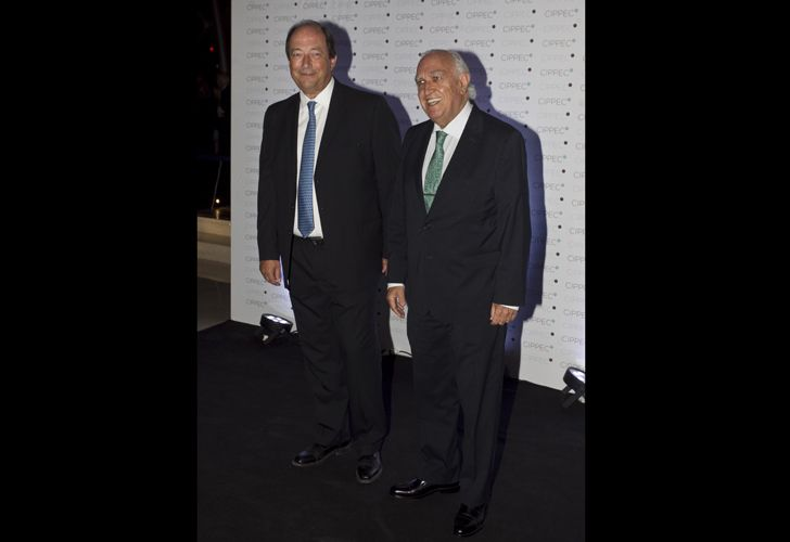 Ernesto Sanz junto a Ricardo Gil Lavedra.