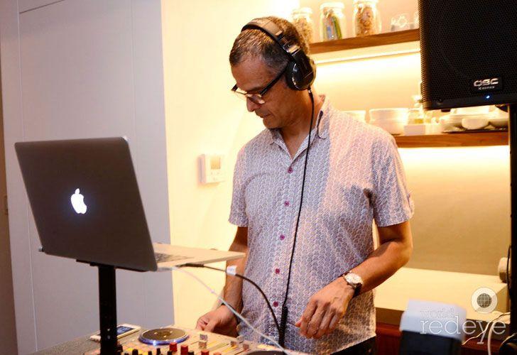 El DJ del evento de los Cosentino