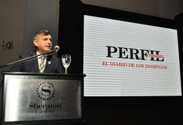 A la hora de los discursos, De la Reta rememoró la gestación del diario Perfil Córdoba