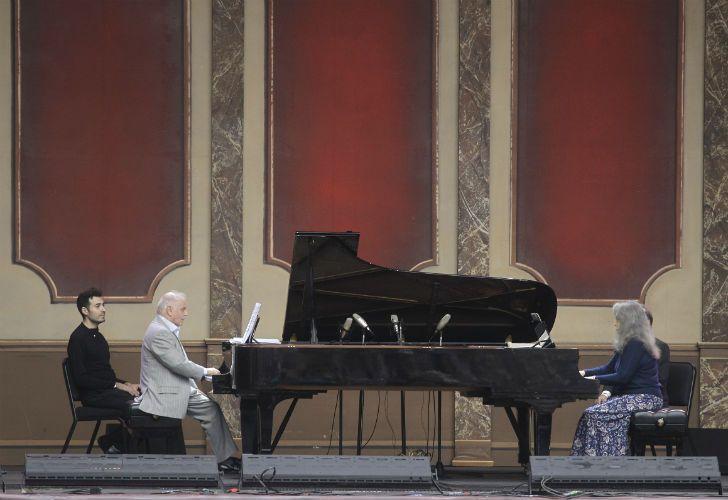 La pianista Martha Argerich y el director de orquesta Daniel Barenboim, dos de los músicos argentinos más elogiados en el mundo.