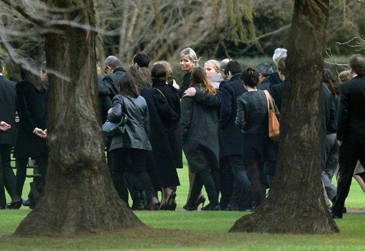 El Rey Guillermo y sus tres hijas acompañaran a Máxima en la ceremonia de despedida de los restos de su padre.