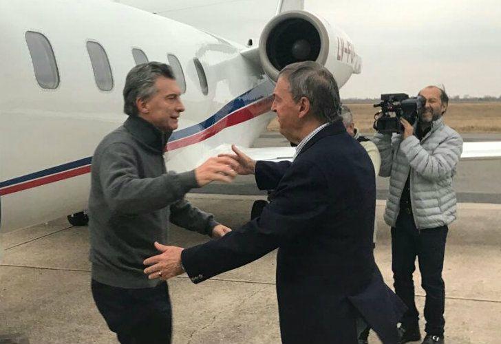 El abrazo de Macri con Schiaretti.