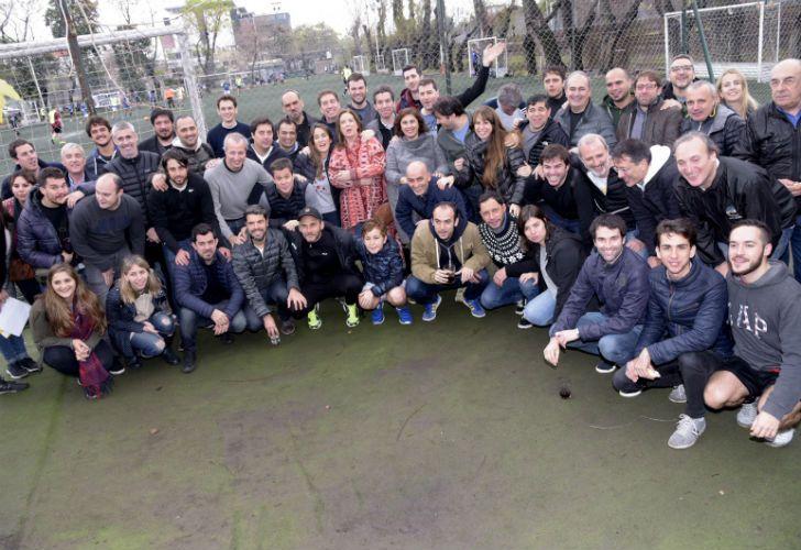 El equipo de Vamos Juntos, y sus candidatos, jugaron un partido de fútbol y compartieron un asado.