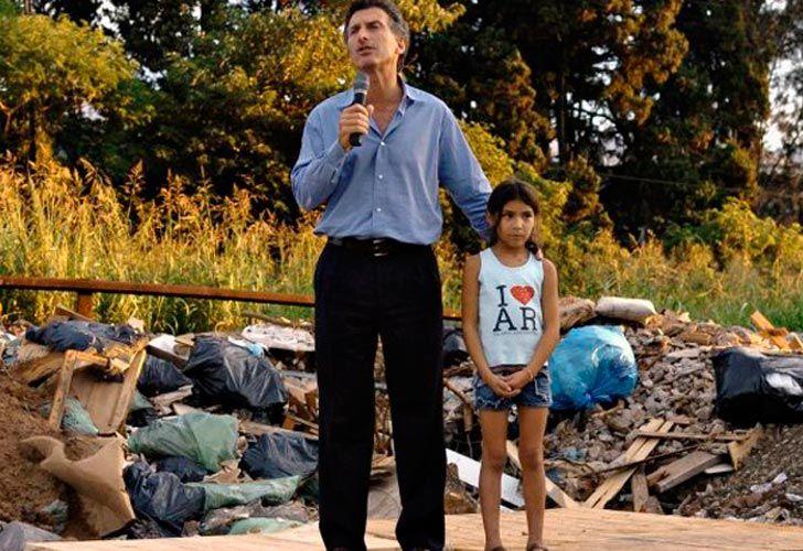 Melina, a diez años de la foto con Macri en el basural