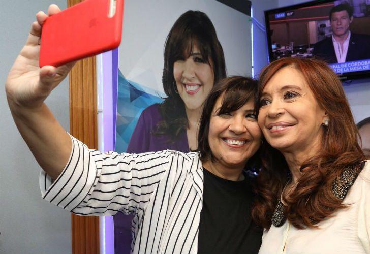 La expresidenta y actual candidata a senadora por Unidad Ciudadana, Cristina Fernández de Kirchner, le concedió una entrevista a Elizabeth Vernaci.