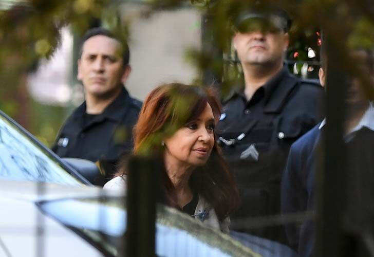 Former president and senator-elect Cristina Fernández de Kirchner, arrives at the Comodoro Py courthouse yesterday.