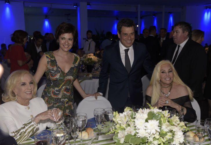 Facundo Manes y señora en la mesa de Mirtha y Susana.