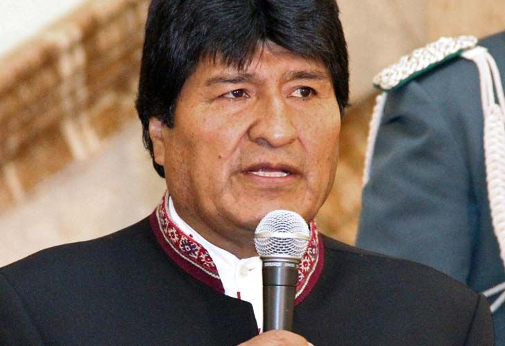 Handout picture released by the Bolivian Presidency showing Bolivian President Evo Morales delivering a speech at the presidential palace in La Paz.