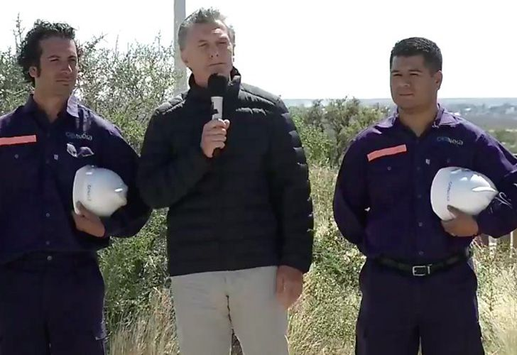 Holidaying in Patagonia, President Mauricio Macri took time off to meet with wind farm workers in Chubut province on January 2, 2018.
