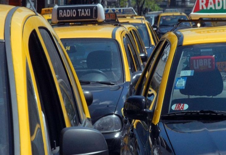The cost of a taxi ride in the City will jump from $32.60 pesos to $39.10 pesos (US$ 2.12). From there, users will see the meter rise in intervals of $3.91 (US$ 0.22c).
