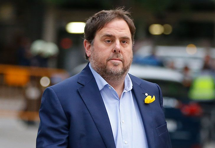 Former Catalan vice-president Oriol Junqueras arrives at the National Court for questioning by a National Court judge investigating possible rebellion charges in Madrid on January 4, 2018.