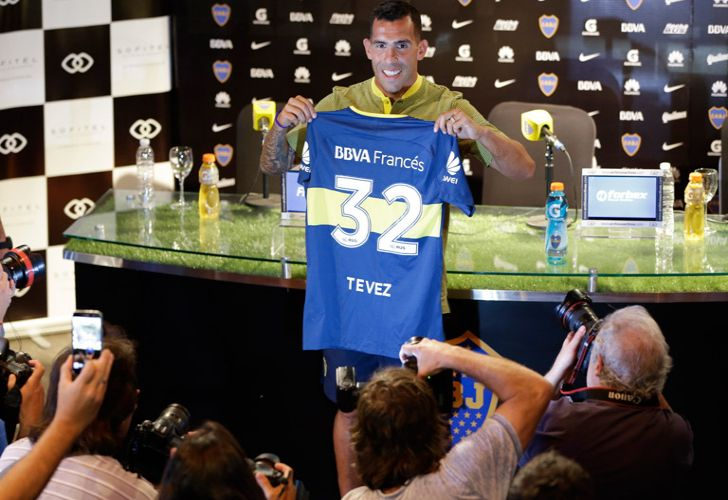Carlos Tevez was presented to the media at a press conference on Tuesday, after completing nhis first training session with his teammates after his return to Boca from Chinese club Shanghai Shenhua.