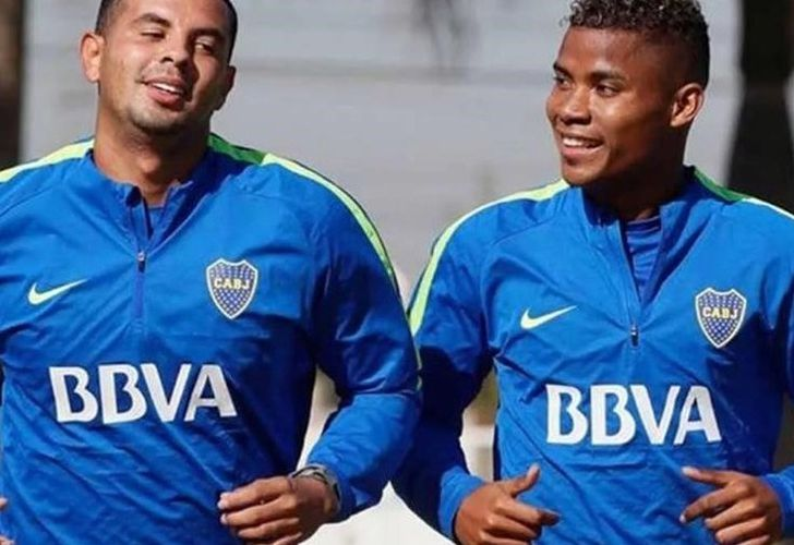 Boca players Edwin Cardona and Wilmar Barrios.