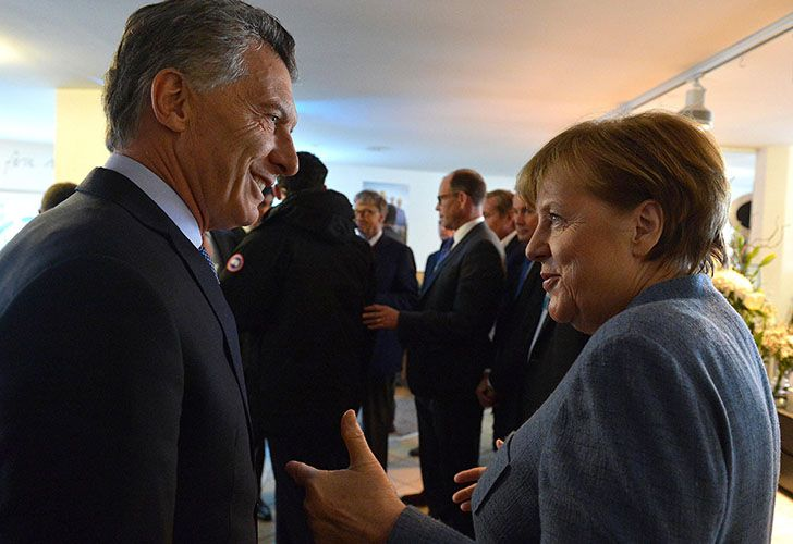 Argentina's President Mauricio Macri and German Chancellor Angela Merkel in Davos, Switzerland.