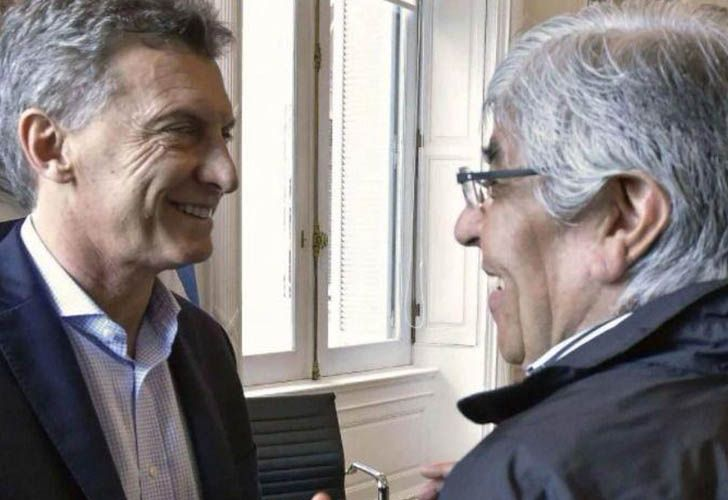 President Mauricio Macri and union heavyweight Hugo Moyano in happier times.