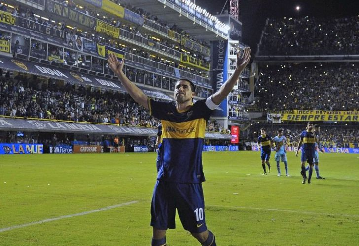 Juan Román Riquelme played 14 seasons for Boca Juniors in the 1990s and 2000s. He also played for several seasons in Spain and made 51 appearances for la Selección.
