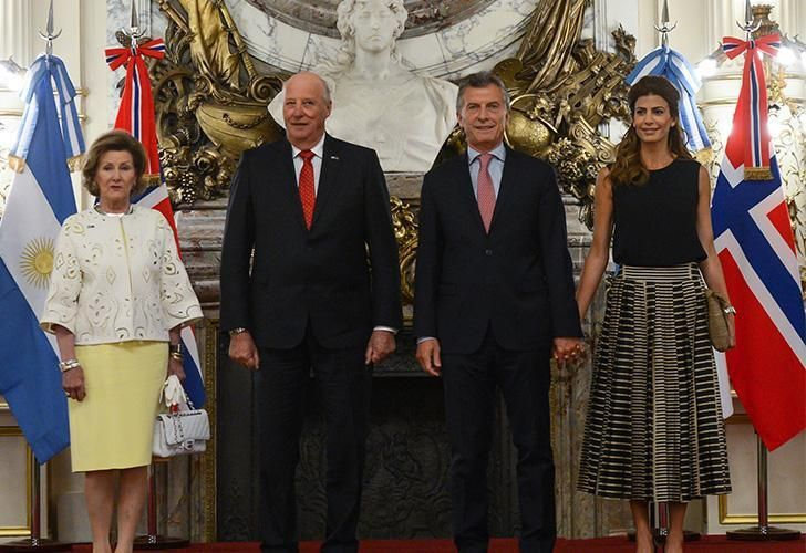 Queen Sonja and King Harald V with President Mauricio Macri and First Lady Juliana Awada.