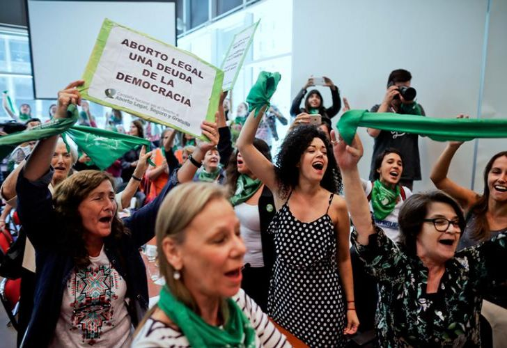 Activists cheer in favour of legalised abortion during the presentation of the abortion reform bill at Congress. Under heavy pressure by women's groups that have taken to the streets in large numbers in recent years, over 70 legislators presented an abortion bill that will be first be discussed in several committees of the lower chamber.