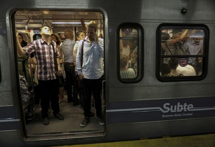 Buenos Aires subway workers went on strike over metro cars purchased from Spain that allegedly contain asbestos.