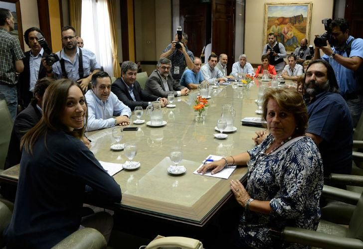 Buenos Aires province Governor María Eugenia Vidal meets teachers union leaders in 2017.