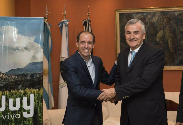 Airbnb's Global Head of Policy and Communications Chris Lehane, pictured with Jujuy Governor Gerardo Morales.