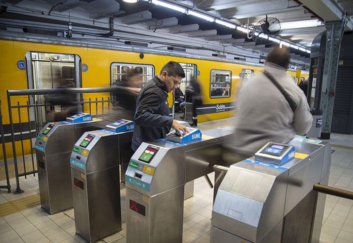 Water prices and fares on Buenos Aires' underground will rise from May.