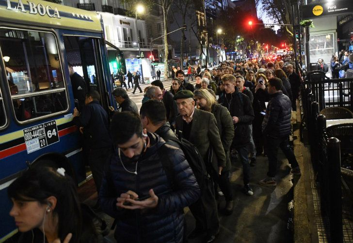 Striking Subte workers managed to shut down the entire service this week, sparking rush-hour chaos and ensuring that commuters faced long waits and long queues for buses in order to get home.
