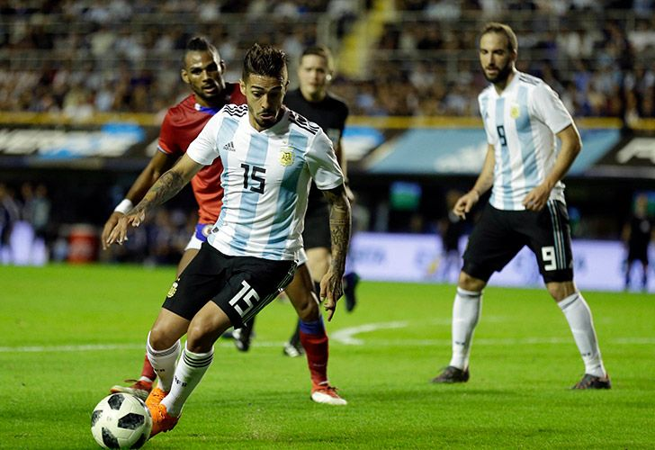 Manuel Lanzini was injured while the team trained in Barcelona, Spain, on Friday.