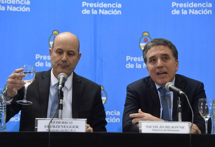 Central Bank Governor Federico Sturzenegger and Treasury Minister Nicolás Dujovne.