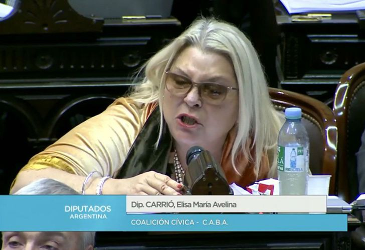 Lawmaker Elisa Carrió claims she misspoke when she said Argentina's middle-class should help support the economy by continue to give