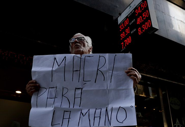 The peso fell again Wednesday to an all-time low of 34.50 per US dollar.