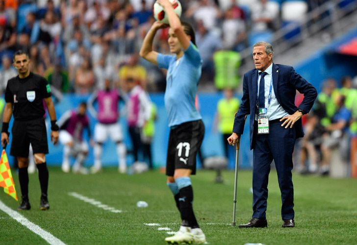 Óscar Tabárez has extended his contract with Uruguay for four more years, until the Qatar 2022 World Cup.