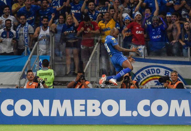 Sassa of Brazil's Cruzeiro, celebrates his goal against Argentina's Boca Juniors, during their 2018 Copa Libertadores match held at Mineirao stadium, in Belo Horizonte, Brazil, on October 4, 2018.