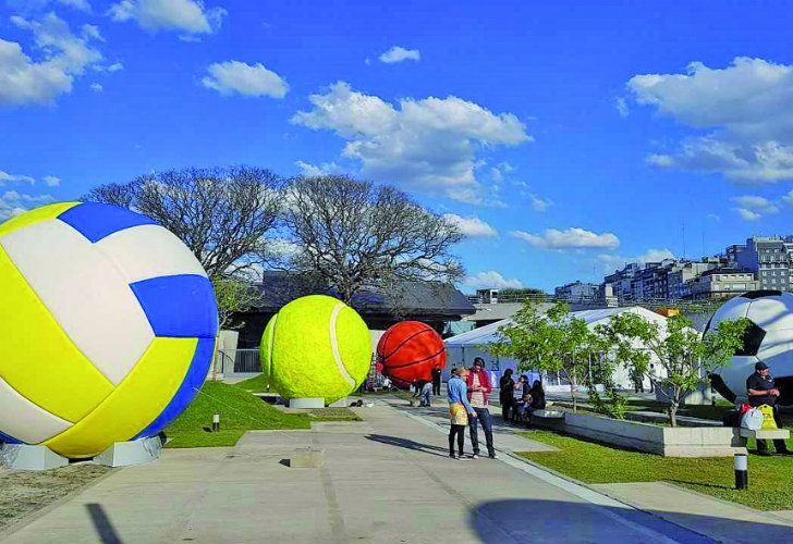 A behind-of-scenes view of Ball Game, Leandro Erlich's latest creation for the Youth Olympic Games, which will be unveiled this Sunday.