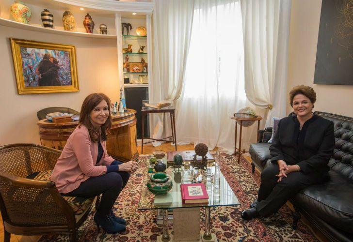 Former Argentine president Cristina Fernandez de Kirchner with former Brazilian president Dilma Rousseff.