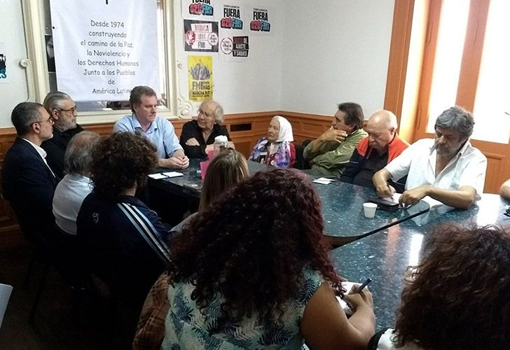 Security Ministry Cabinet Chief Gerado Millman (pictured, blue shirt) meets with representatives from social movements and anti-G20 protesters last week to discuss their plans to protest.