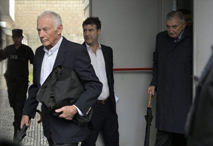 Pedro Müller (left) and Héctor Sibilla (far right).