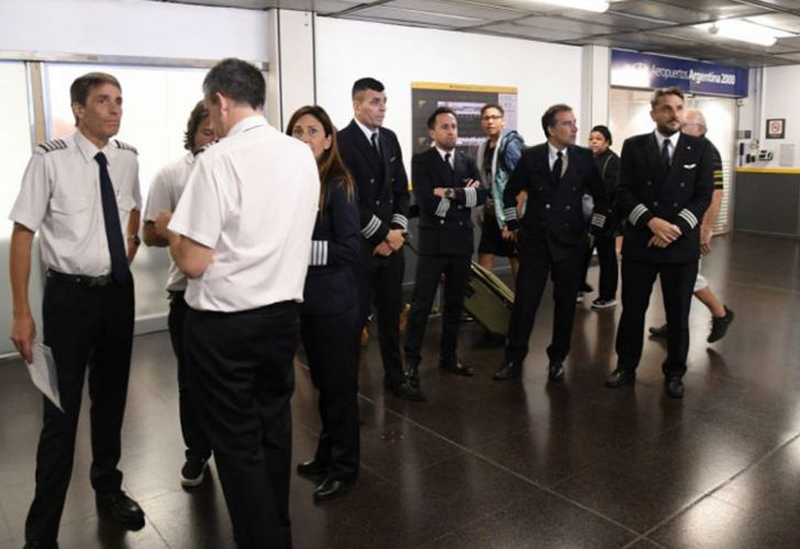 Pilots gather inside the Aeroparque airport in Buenos Aires (file).