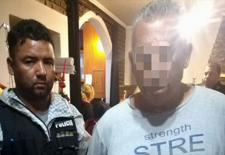 Councillor of Florencio Varela municipality Daniel Zisuela (right) during his arrest on December 17, 2018.