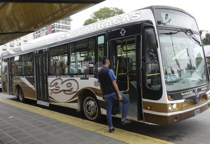 Public transport costs are rising in Argentina as the Macri government rolls back state subsidies.