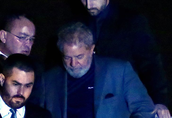 Former president Luiz Inácio Lula da Silva is transferred to a jail in Curitbia