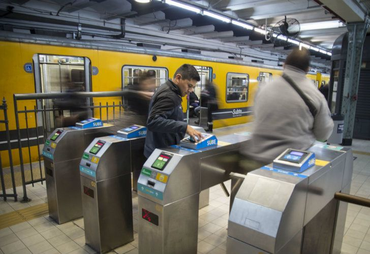 The silent battle for the tender to operate Buenos Aires' Subte underground transport network is finally starting to boil to the surface.