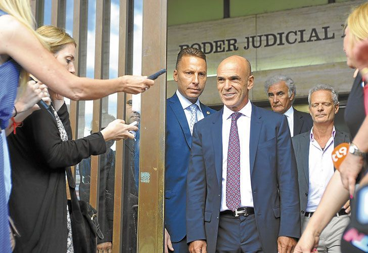 Gustavo Arribas leaves the Comodoro Py courthouse (file).