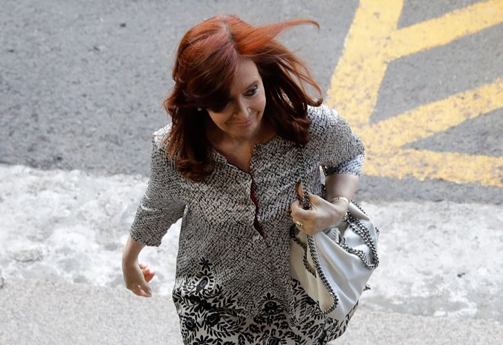 Cristina Fernández de Kirchner enters the Comodoro Py courthouse in Buenos Aires, on Monday, February 25, 2019.