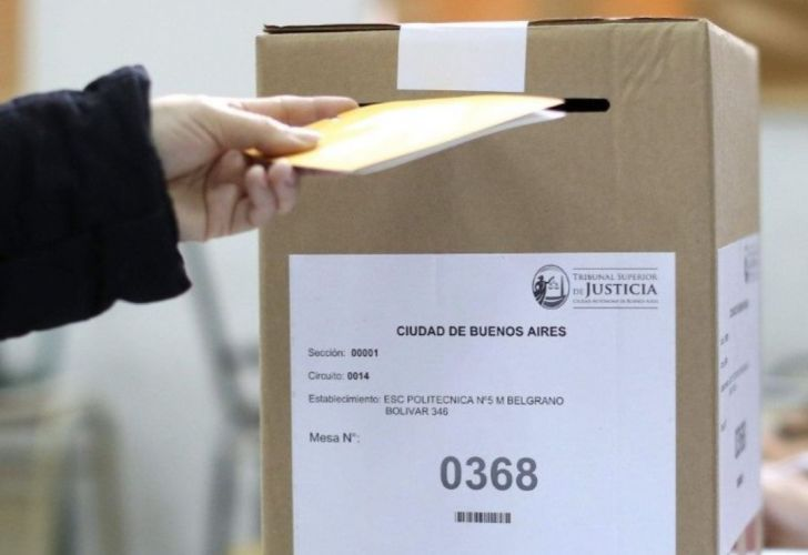 A voter casts their ballot in Buenos Aires.