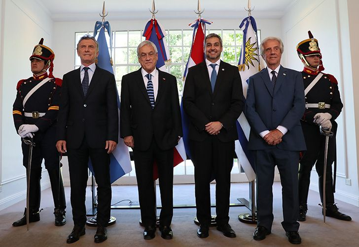 From left to right: President Mauricio Macri, Chilean President Sebastian Piñera, Paraguayan President Mario Abdo Benítez and Uruguayan President Tabaré Vázquez pose for a photo at the Olivos presidential residence in Buenos Aires province.